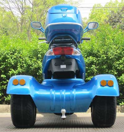 Wide three wheeled stance provides excellent stability.